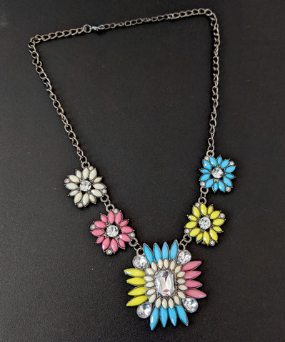 Black plating link chain with colorful plastic bead pasted statement necklace