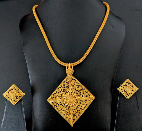 Diamond shape Pendant Chain Necklace and stud Earring set - Gold Look alike