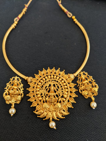 Goddess Lakshmi pendant pipe chain necklace and stud earring set