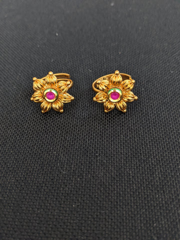 Curvy flower Kundan stone gold imitation Toe Rings