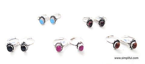 Oxidized adjustable Toe Rings with colored stone - Simpliful
