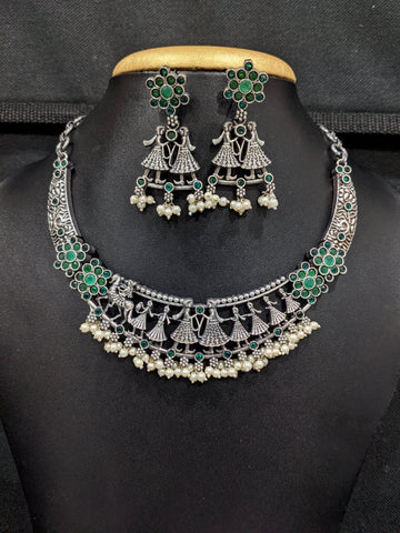 North Indian Wedding Theme design silver Choker Necklace and Earrings set