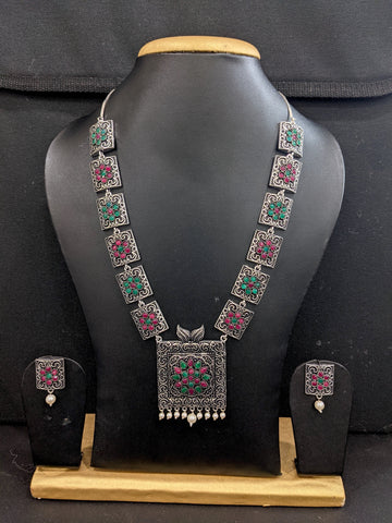 Antique oxidized silver Square pendant Chain Necklace and Stud earrings set