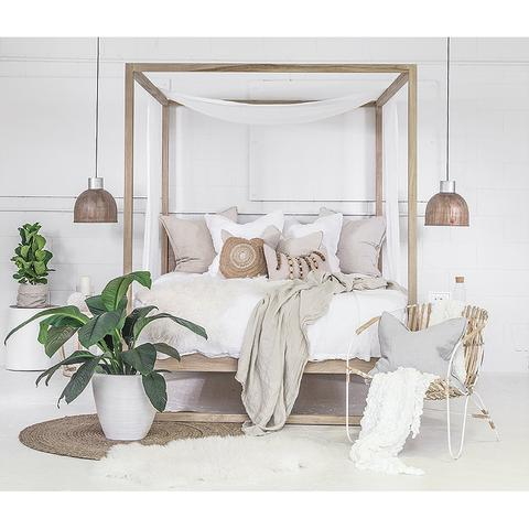 Uniqwa Four Poster Strand Bed