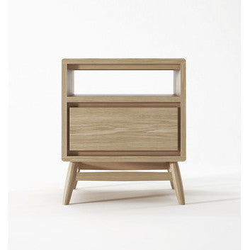 BEDSIDE TABLE | twist design in oak