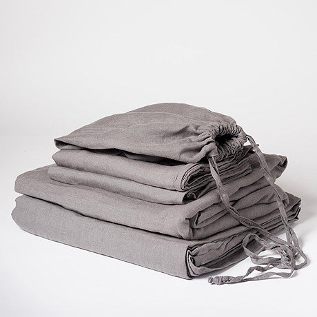SHEET SET | charcoal grey linen by cultiver