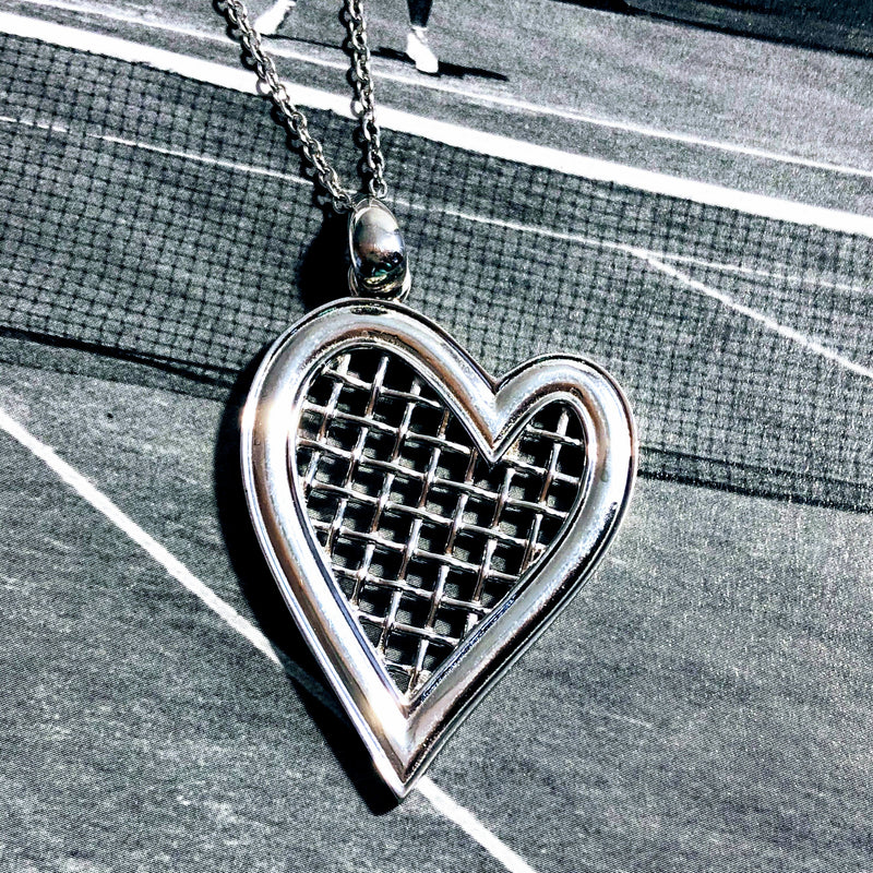Heart Strings Pendant XLarge