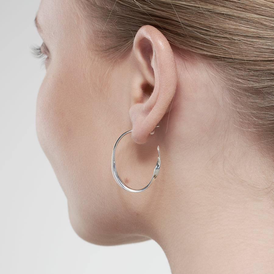 Nouveau small silver Hoops Oval