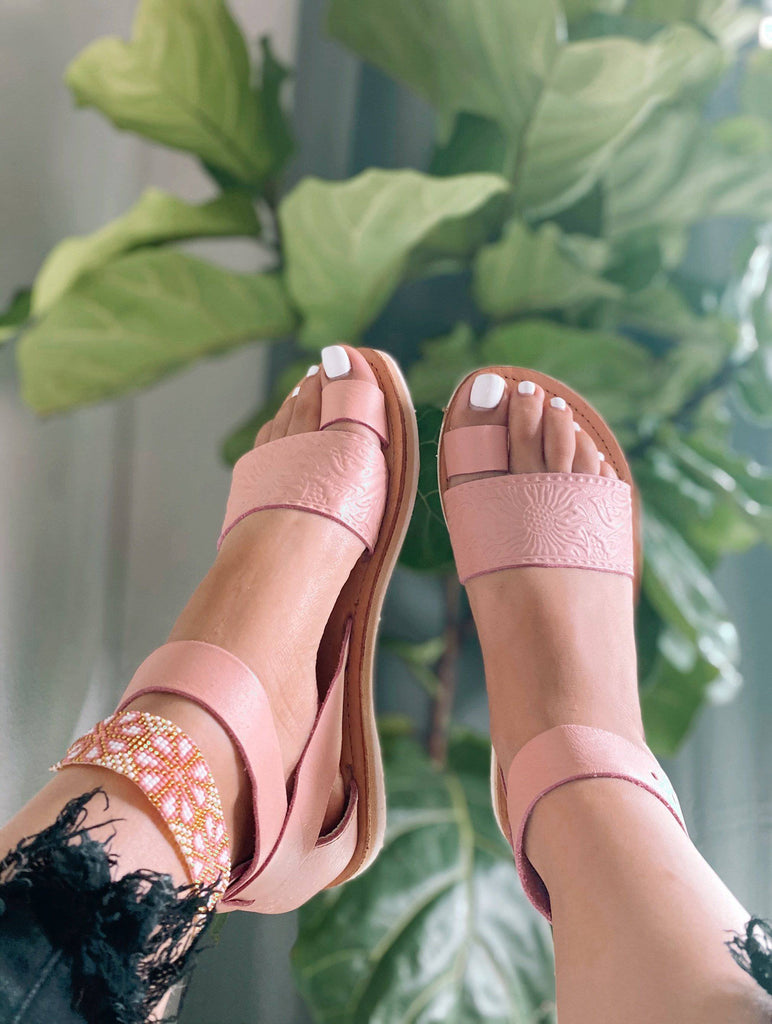Galilea Pastel Pink Huarache Sandals - LaPerlaMX, ,[Mexican_Huaraches], [Huarache_Sandals], [Huaraches_Mexicanos], [Lace-up_Huaraches], [Leather_Huaraches], [Leather_sandals], [Handmade_sandals], [Handmade_Huaraches], [Mexican_Dresses], [Mexican_Clothing], [Mexican_shoes], [Mexican_Sandals], [women's_huarche_sandals], [Handwoven_Sandals]