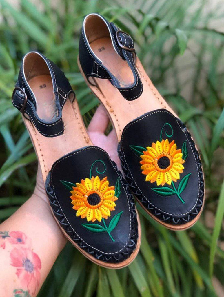 Girasol Black Huarache Sandals - LaPerlaMX, ,[Mexican_Huaraches], [Huarache_Sandals], [Huaraches_Mexicanos], [Lace-up_Huaraches], [Leather_Huaraches], [Leather_sandals], [Handmade_sandals], [Handmade_Huaraches], [Mexican_Dresses], [Mexican_Clothing], [Mexican_shoes], [Mexican_Sandals], [women's_huarche_sandals], [Handwoven_Sandals]