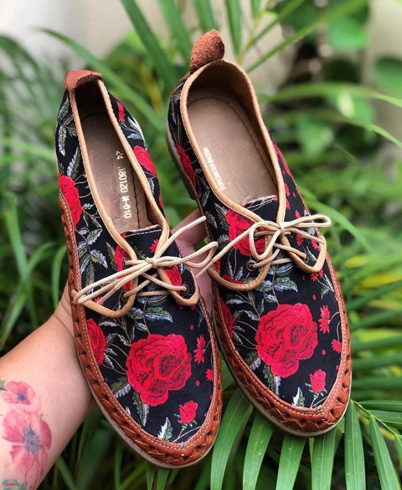 Rosas Huarache Loafers - LaPerlaMX, ,[Mexican_Huaraches], [Huarache_Sandals], [Huaraches_Mexicanos], [Lace-up_Huaraches], [Leather_Huaraches], [Leather_sandals], [Handmade_sandals], [Handmade_Huaraches], [Mexican_Dresses], [Mexican_Clothing], [Mexican_shoes], [Mexican_Sandals], [women's_huarche_sandals], [Handwoven_Sandals]