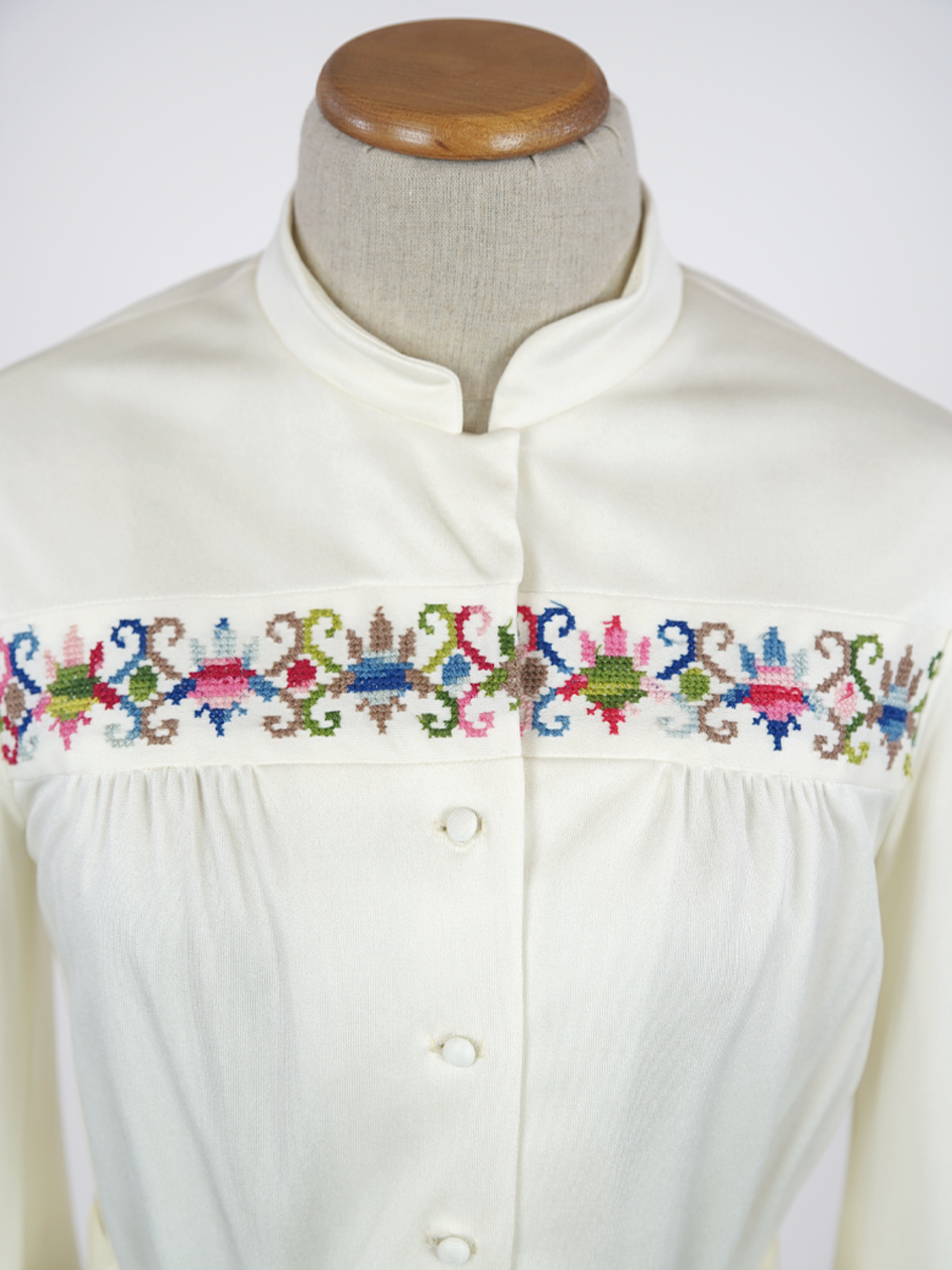 1970s IVORY SECRETARY DRESS WITH EMBROIDERY & BELL SLEEVE SIZE M
