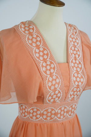 1970s SHERBET DRESS WITH FLORAL EMBROIDERY AND FLUTTER SLEEVE SIZE S