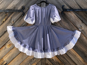 Beautiful Vintage 1970s Gingham Square Dancing Dress Size 8 / 10