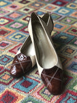 1960s Norman Kaplan Ivory Leather with Patent Leather Pumps Size 9 9.5