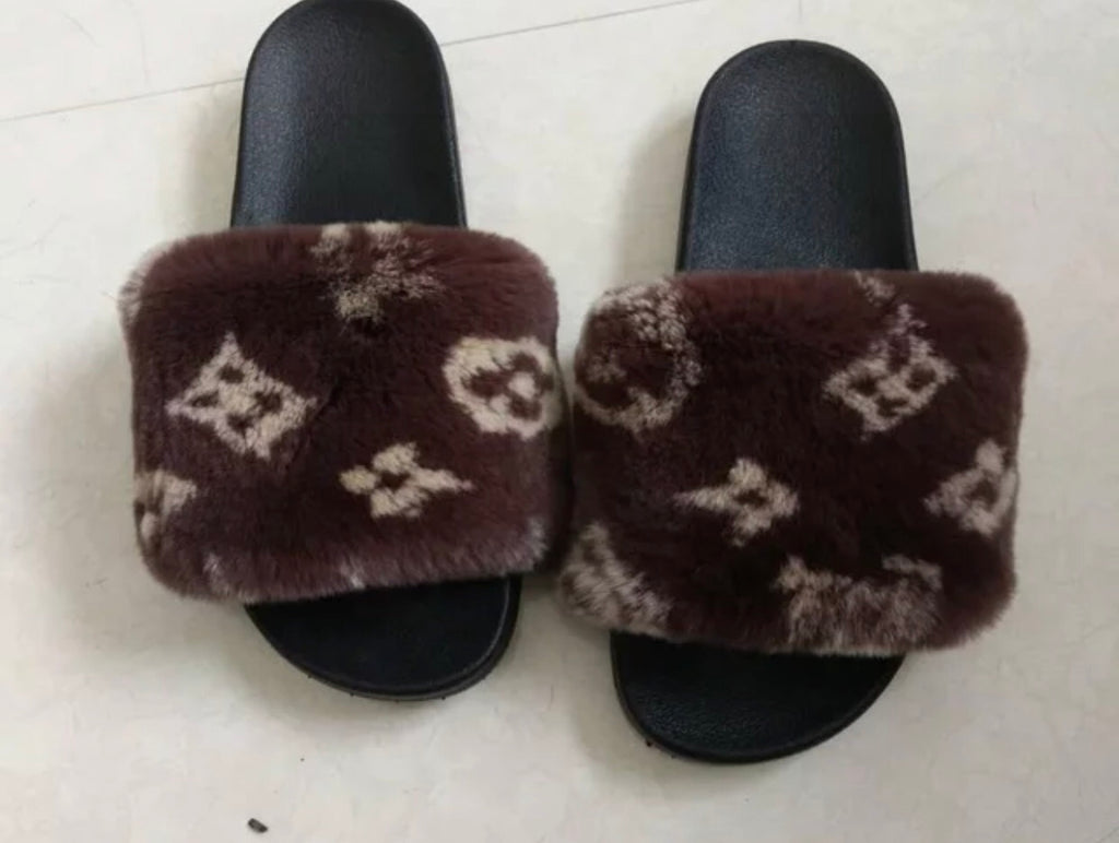 Lv fox fur slides