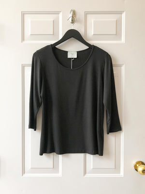 Chalet et ceci Jersey 3/4 Sleeve Basic Top, Black