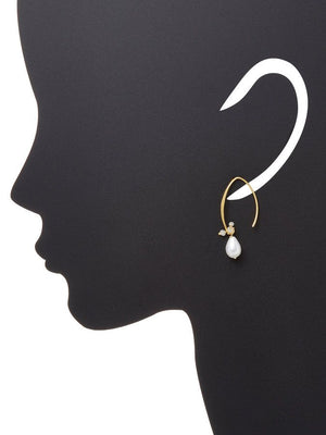 Chantilly Hanger Pearl Earrings