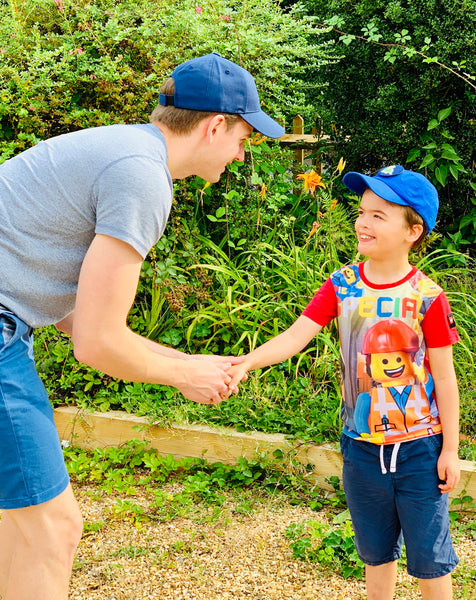 How to persuade kids to wear a hat... without resorting to bribery or superglue!