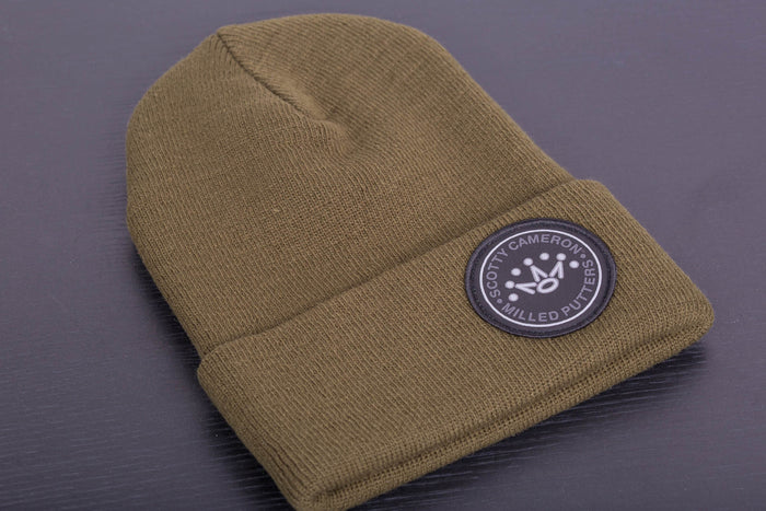 2017 Holiday 7 Point Crown Circle Patch Beanie