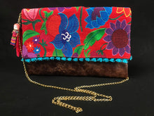 Load image into Gallery viewer, Chiapas Red Flower Embroidered Leather Handbag Colores Decor