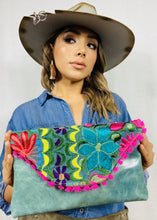 Load image into Gallery viewer, Esmeralda Chiapas Embroidered Leather Handbag Colores Decor