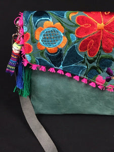 Esmeralda Chiapas Embroidered Leather Handbag Colores Decor