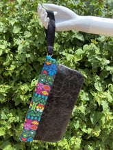 Load image into Gallery viewer, Flor de Mayo Maya Embroidered Leather Wristlet Colores Decor
