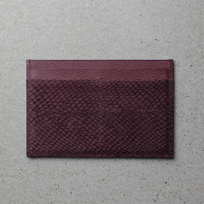 Sibirien Stockholm salmon leather minimalist pass port holder Bordeaux
