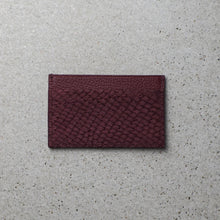 Load image into Gallery viewer, Sibirien stockholm salmon leather minimalist card holder Bordeaux