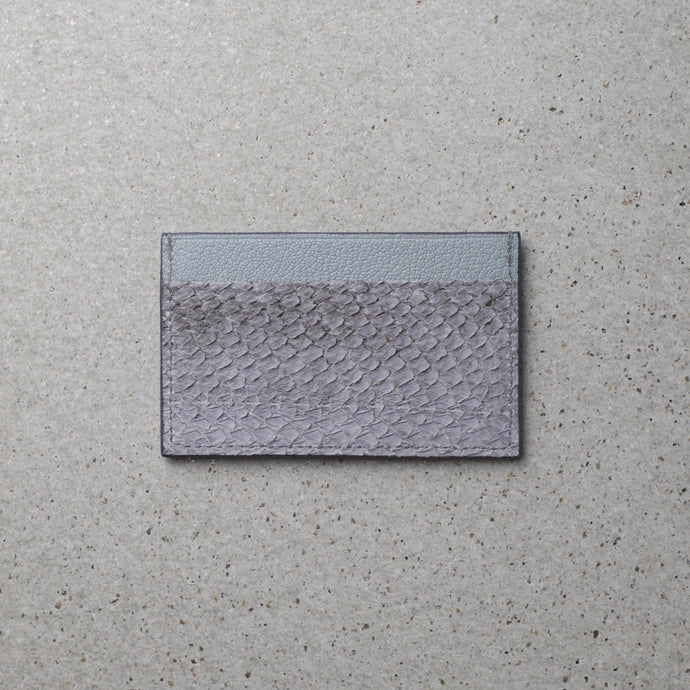 Sibirien Stockholm salmon leather minimalist card holder himalayan gray