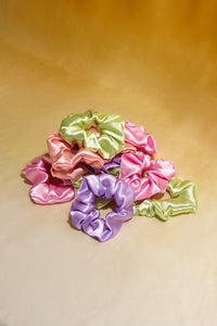 SCRUNCHIE ROSE