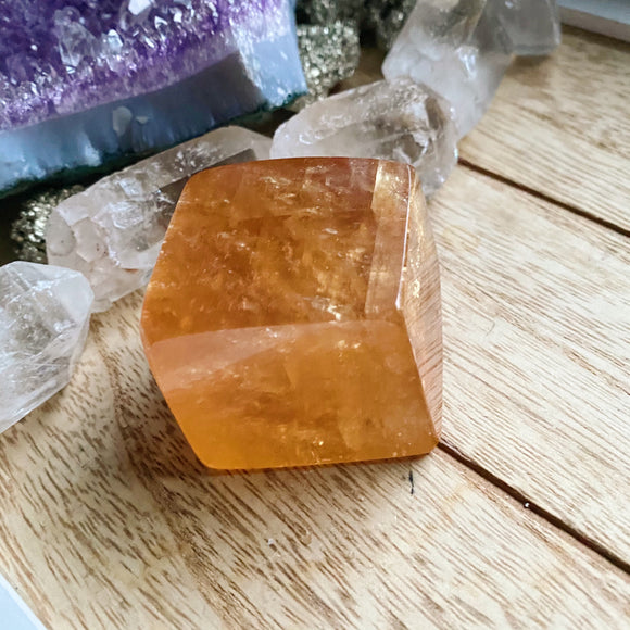 Optical Honey Calcite 2