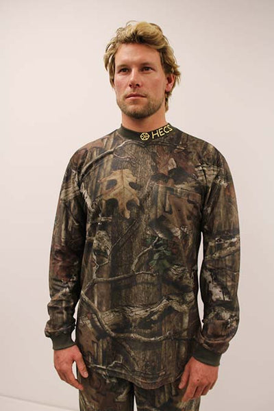 HECS Stealthscreen hunting camo suit male close view