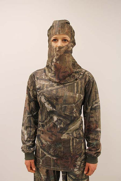 HECS Stealthscreen hunting camo suit female close
