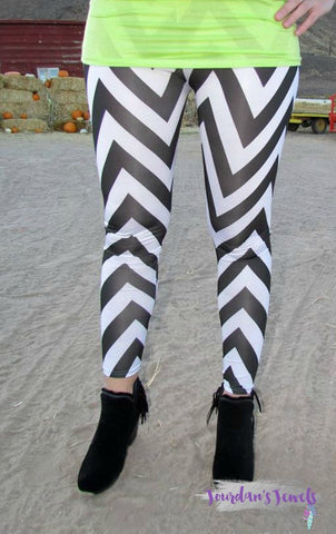 Black and White Chevron Leggings - Jourdan's Jewels