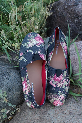Navy Floral Flats - Jourdan's Jewels