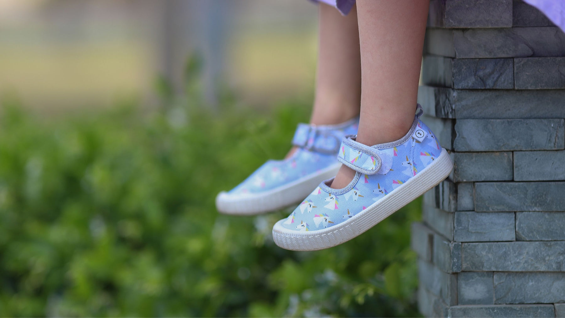 Walnut Melbourne toddler shoes with unicorns