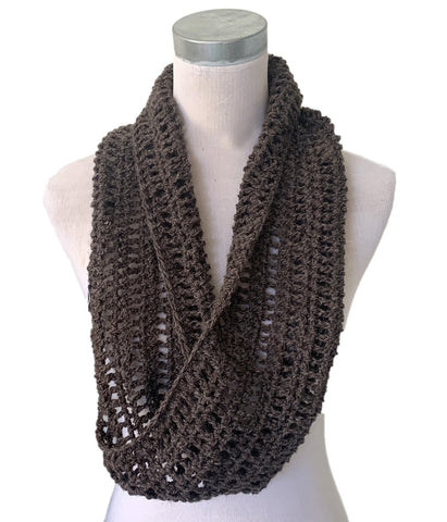 Crochet Cowl with Half Twist – Brown – Pure Wool - Truzealia