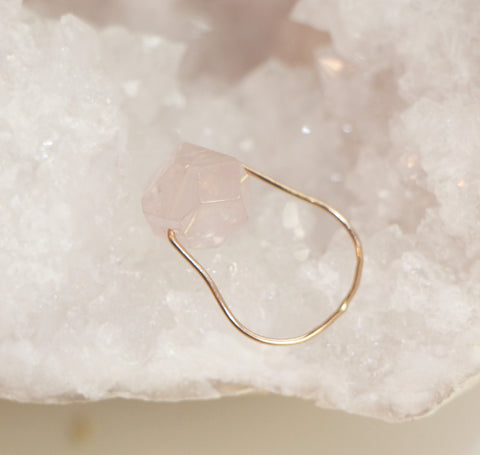 NORTHERN LIGHTS Rose Quartz Simple Gold Ring
