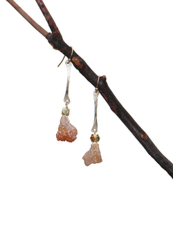 GEODE Blush Hammered Stick Earrings