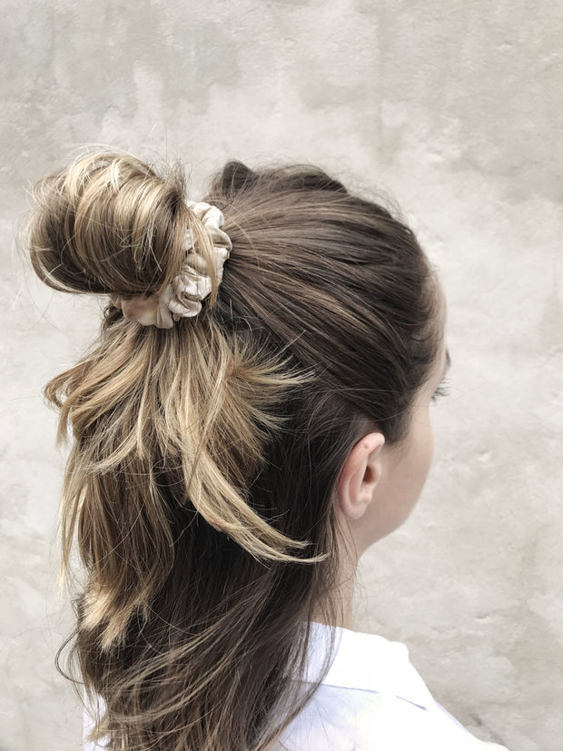 Eloise Panetta - Small Silk Scrunchie