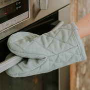 Annabel Trends - Stonewashed Mini Oven Mit - Sage