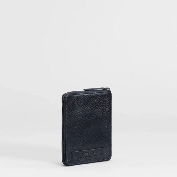 Mr. Elk - Olen Travel Wallet