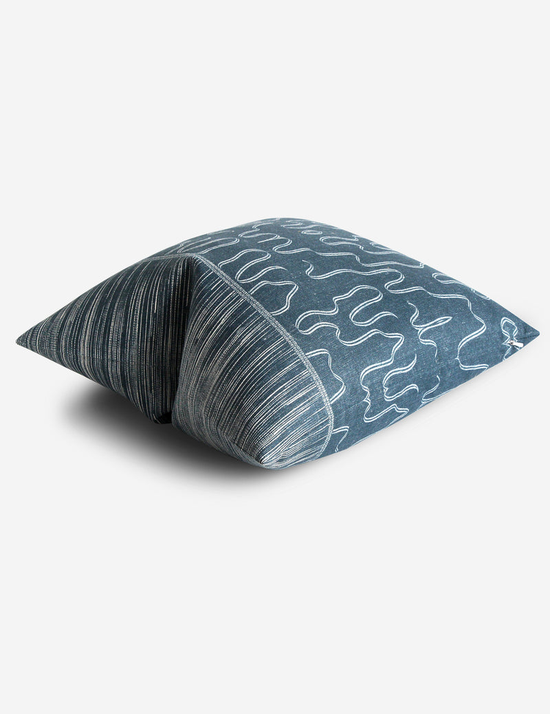 Abrayan Pillow / Indigo Natural