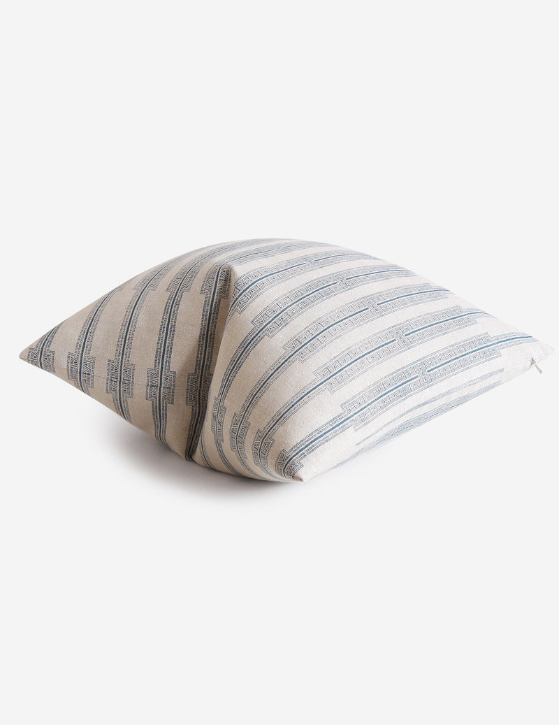 Indro Pillow / Lake Natural