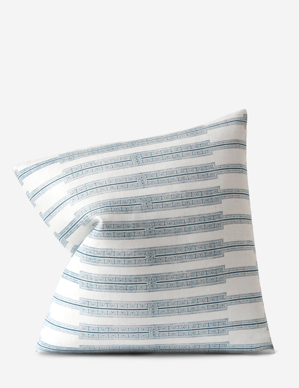 Indro Pillow / Lake Oyster
