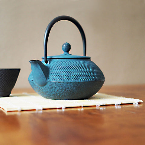 Tenshi Cast Iron Teapot In Teal - 600ml