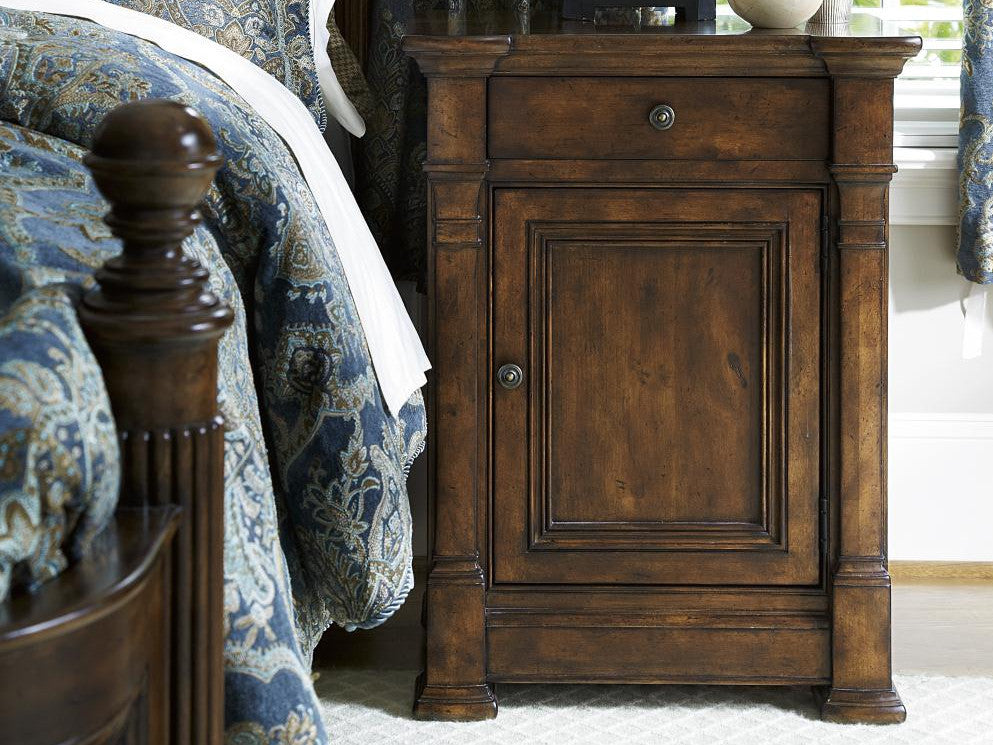 Biltmore Bedside Chest by FFD