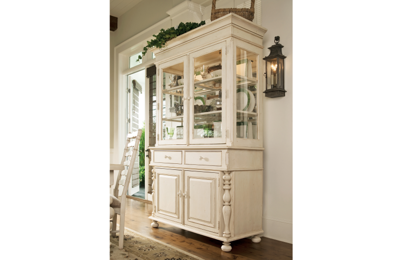 Paula Deen Buffet & Hutch - Linen Finish